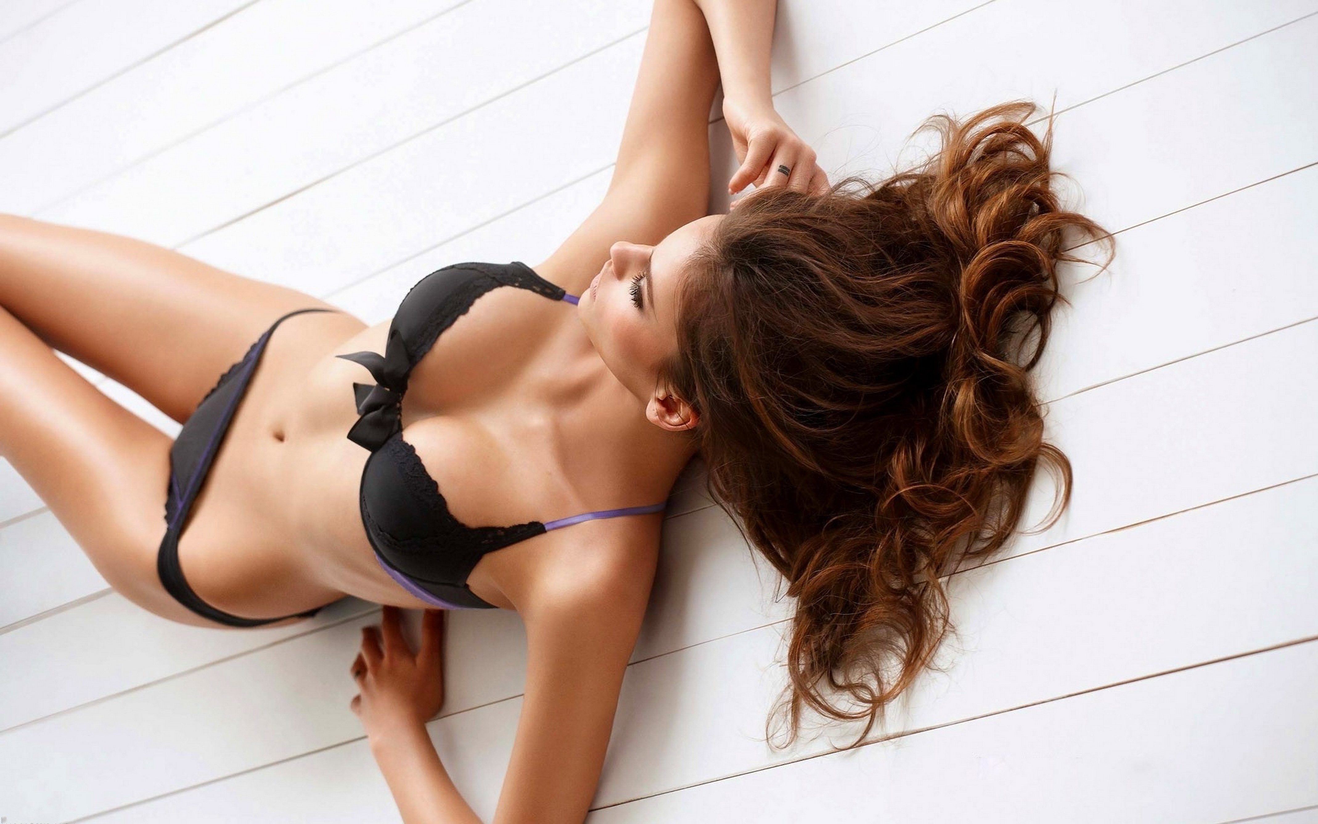 Escorts in London with fit body erotic dream